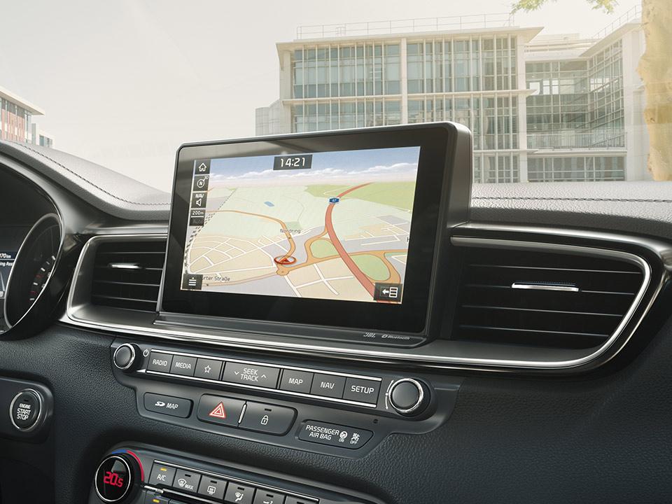 """Navigație 10.25"""" + Sistem infotainment cu Apple Car Play și Android Auto"""